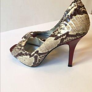 Jessica Simpson Snakeskin Peep Toe Heels Size 6.5